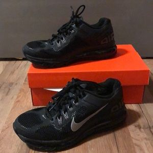 6.5 All Black Nike Air Max with Nike +